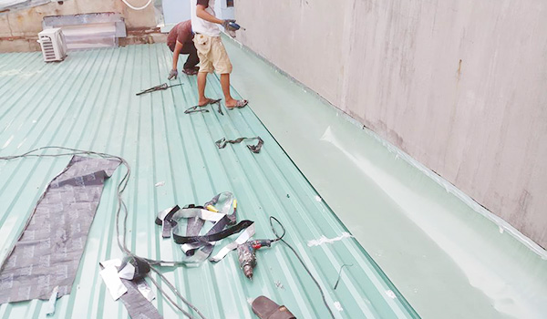 thợ chống dột mái tôn