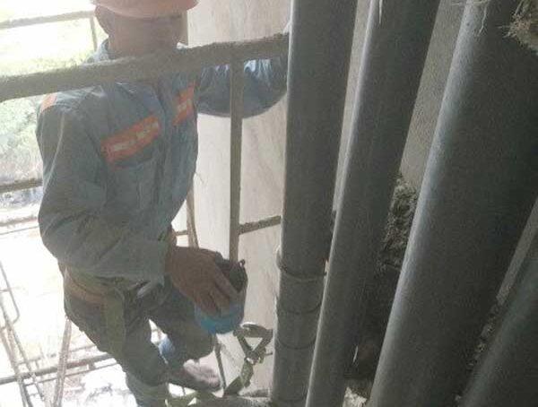 thi công sửa chữa đường ống thoát nước
